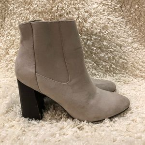 Forever 21 boots size 8 with 31/2' heel